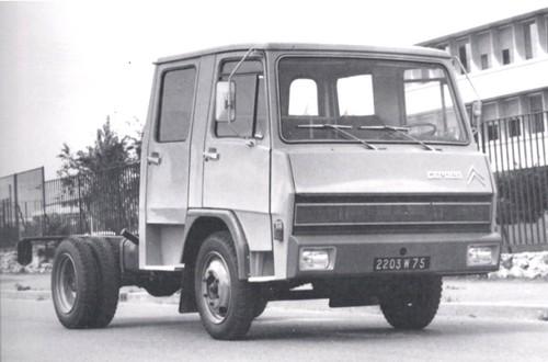Berliet-Citroën k/Dauphin, o camião fruto da união. Aos poucos o logotipo Citroën foi desaparecendo.