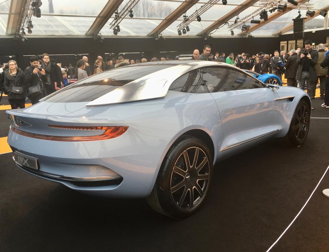 Em 2015 era apresentado o Concept Car DBX anunciando a intenção da Aston Martin.