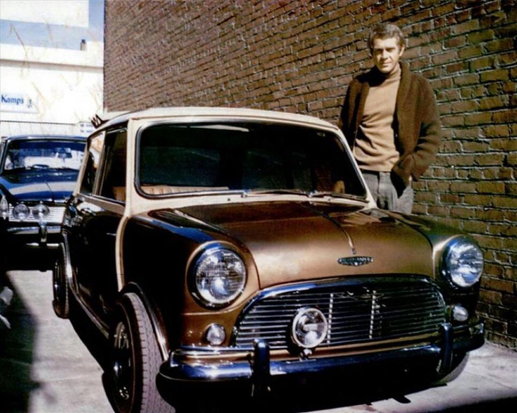 Todos queriam o Cooper S, era o caso de Steve McQueen aqui ao lado do seu .