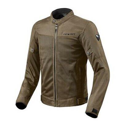 Os fabricantes souberam adaptar-se às várias estações do ano. Como este casaco de verão ventilado e com as devidas protecções.